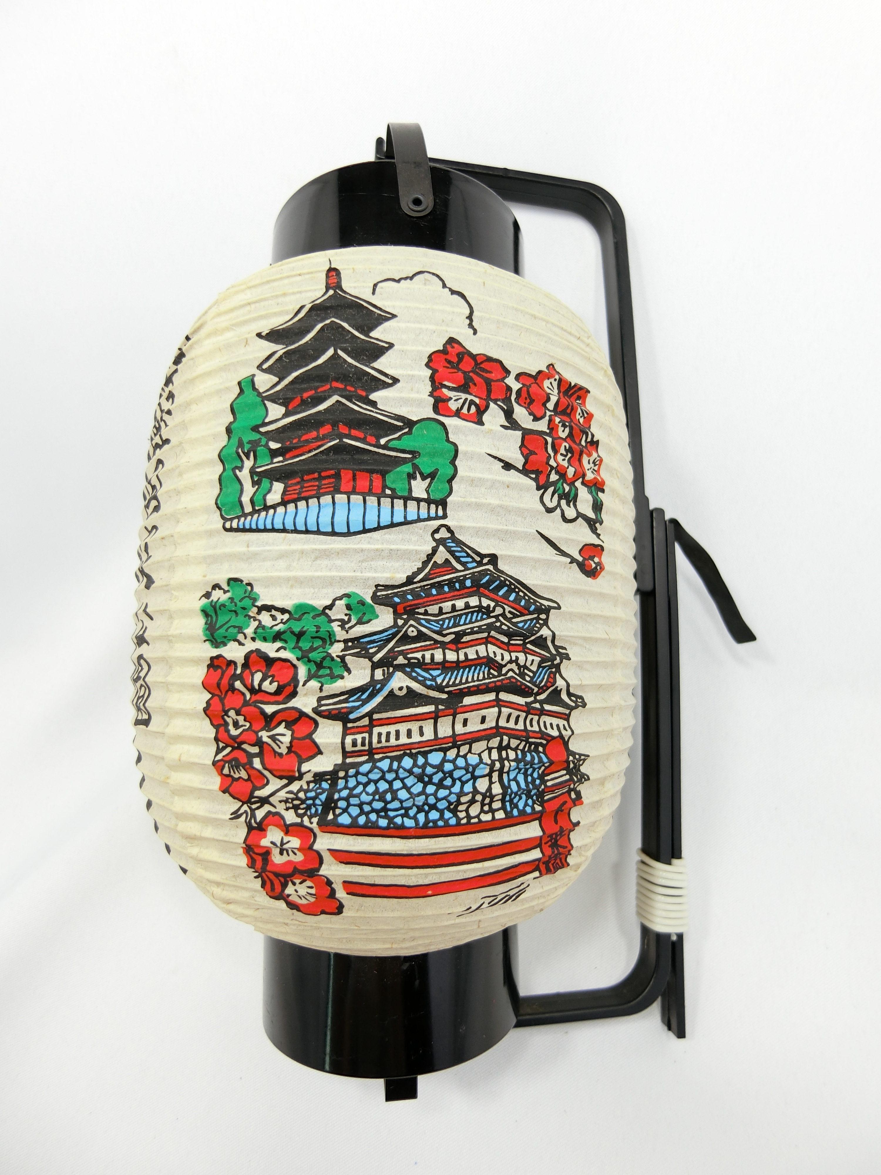 津軽国定公園「岩木山」&津軽「弘前城」(右)