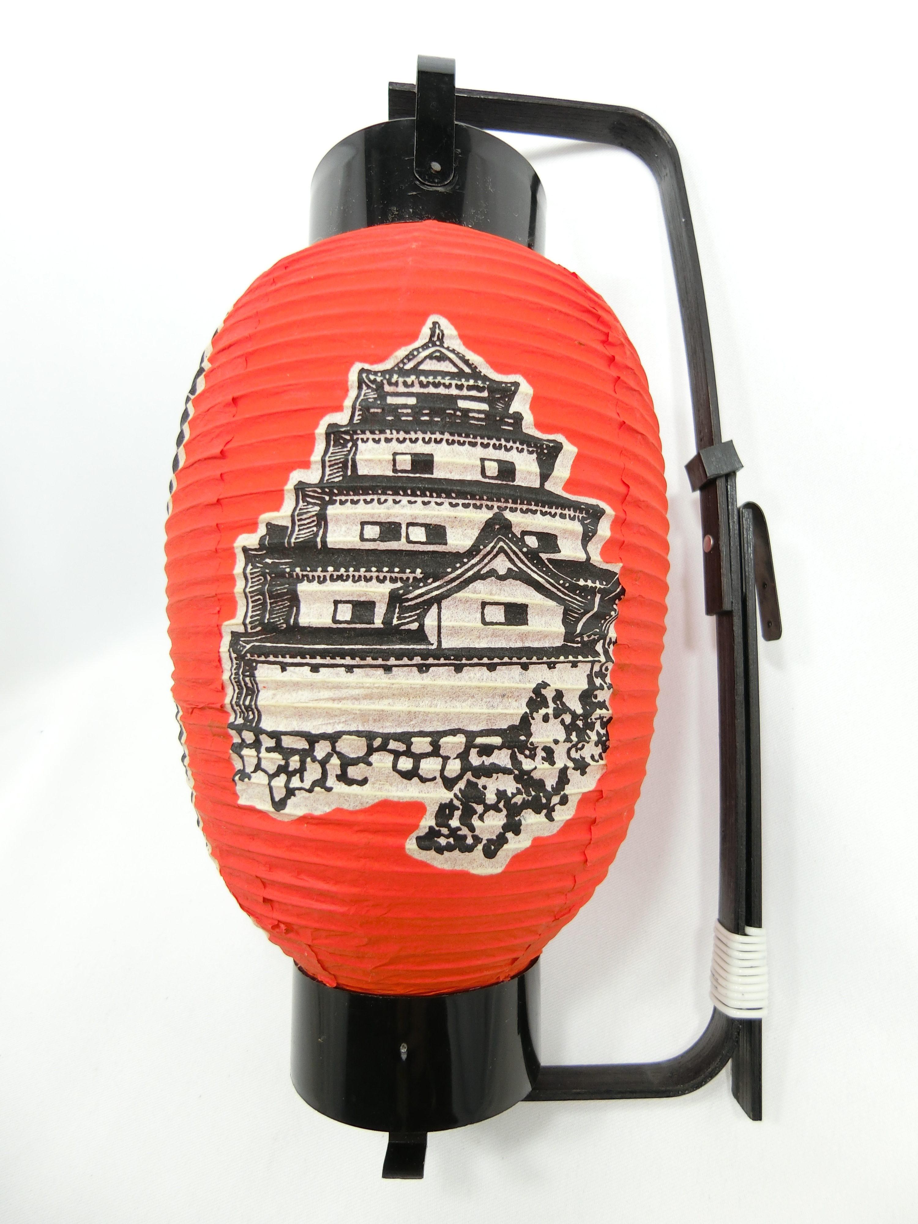 鶴ヶ城(右)