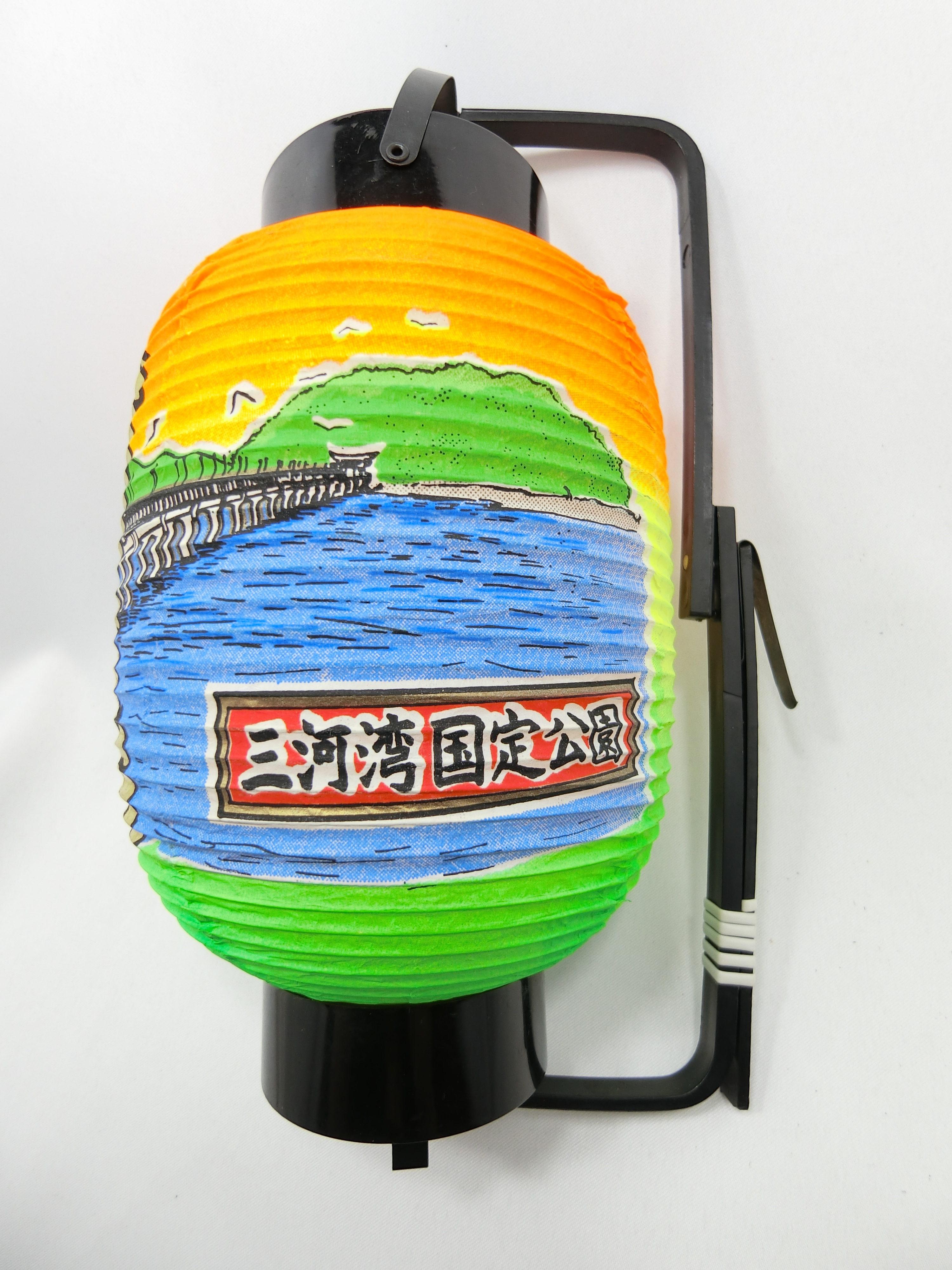 竹島(右)